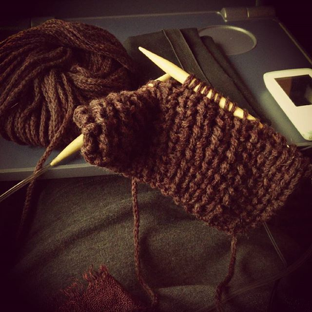 Reisen. Musik hören. Stricken. #happy